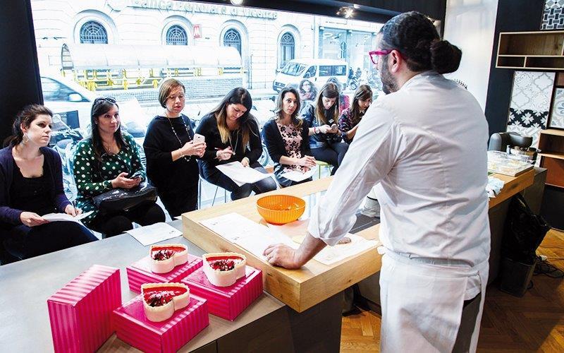 BloggerMilano NewsHome - Al Comprex di Milano la presentazione in anteprima della torta dedicata agli innamorati