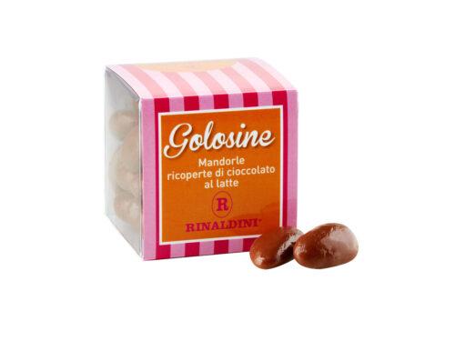 Golosine - mandorle ricoperte di cioccolato al latte